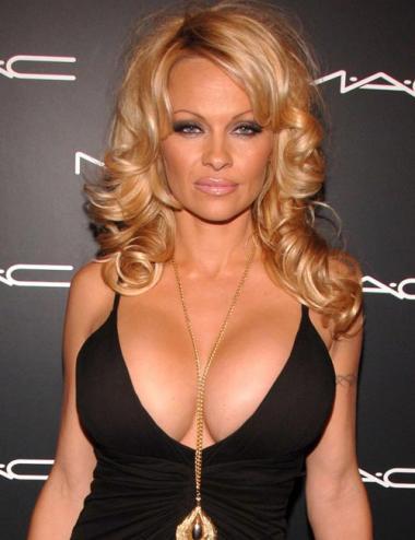 Lyna perez nipples nude tits
