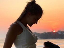 Tierna foto de Adrián Uribe y su novia Thuany